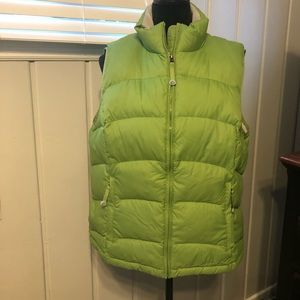 Women's L.L. Bean quilted puffy vest size XL green